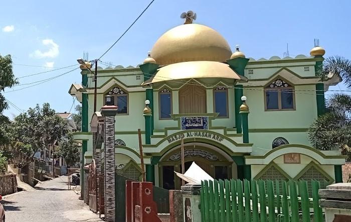 Masjid Al Hasan Arif di Cimareme, Kecamatan Banyuresmi, Kab. Garut.