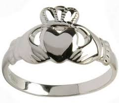 a celtic ring 5