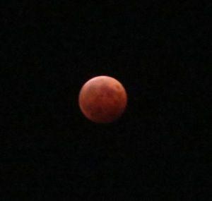 皆既月食赤い月
