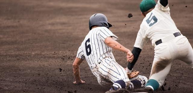 高校野球クロスプレー