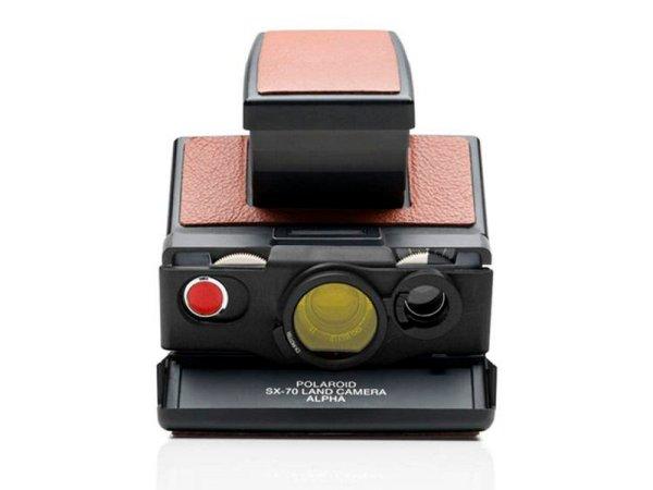 składany aparat fotograficzny sx-70 z założonym filtrem, z zestawu soczewek MINT