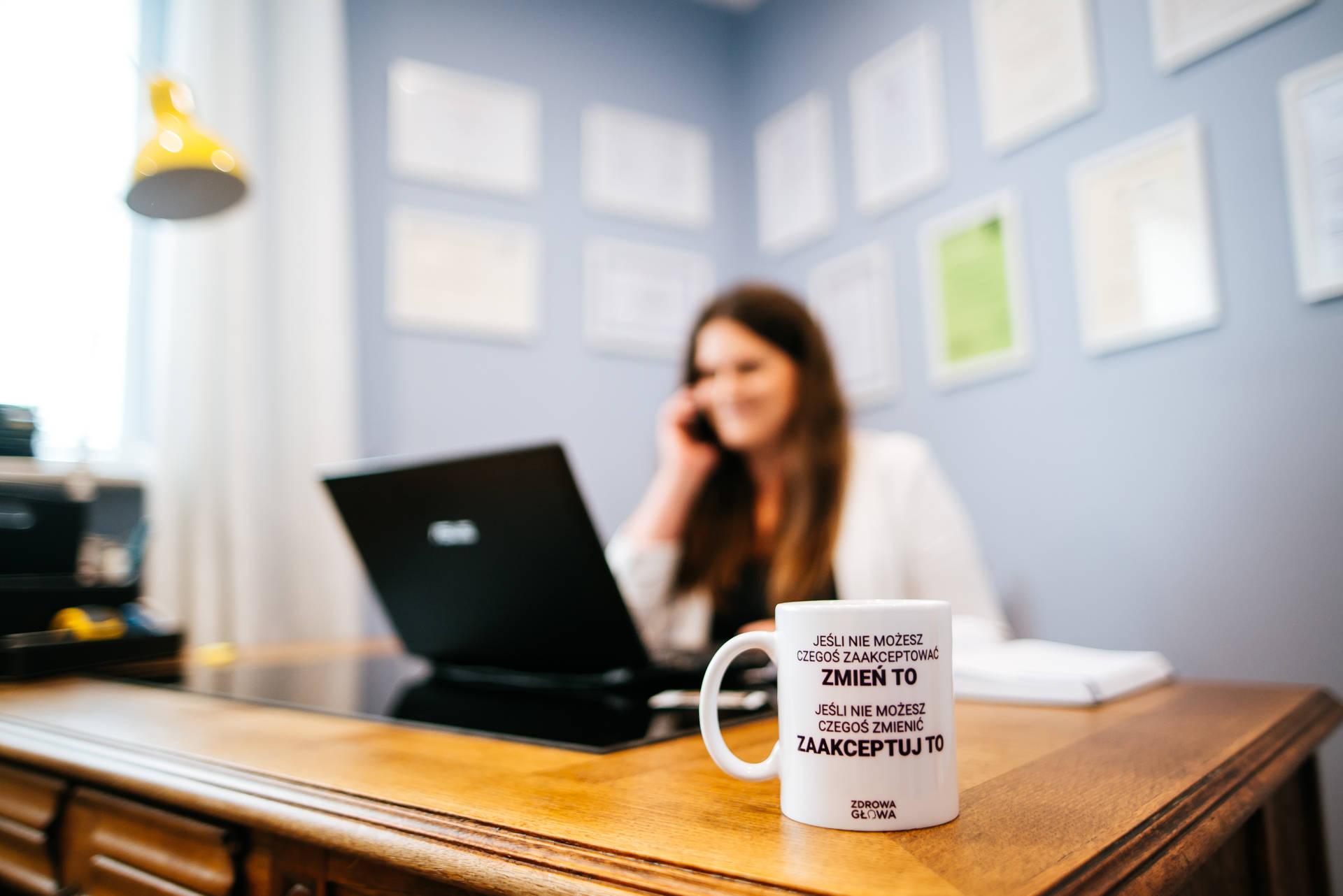 Biznesowa sesja zdjęciowa dla małego przedsiębiorstwa (gabinetu psychologicznego), zrealizowana w całości w Bordnicy, w województwie kujawsko-pomorskim