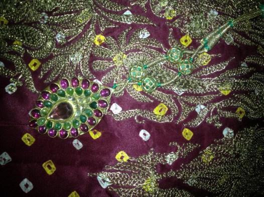 bandhini-silk-saree-gold-zari-tilla-embroidery