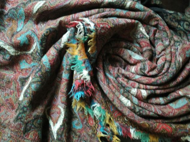 sozni-embroidery-jammukashmir-craftsbazaar-2
