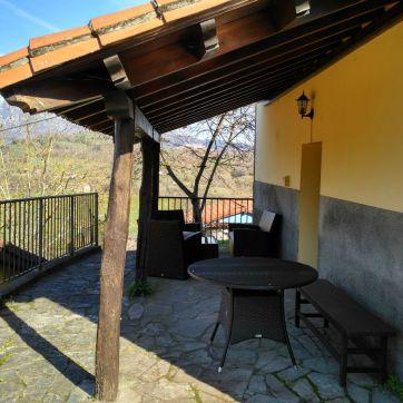 Entrada Apartamento Rural, zona Picos de Europa. La Corona II