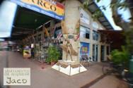 En el Paseo de Los Surfistas, encuentras el monumento al surfista, con las huellas de los surfos mas destacados de Costa Rica