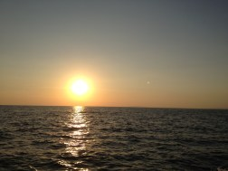 El Sol poniendose sobre el Pacifico, visto desde Jaco