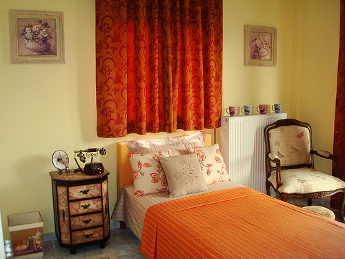 vintage bedroom orange