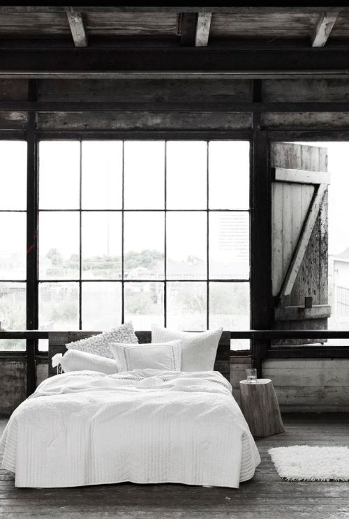 rustic and chic bedroom