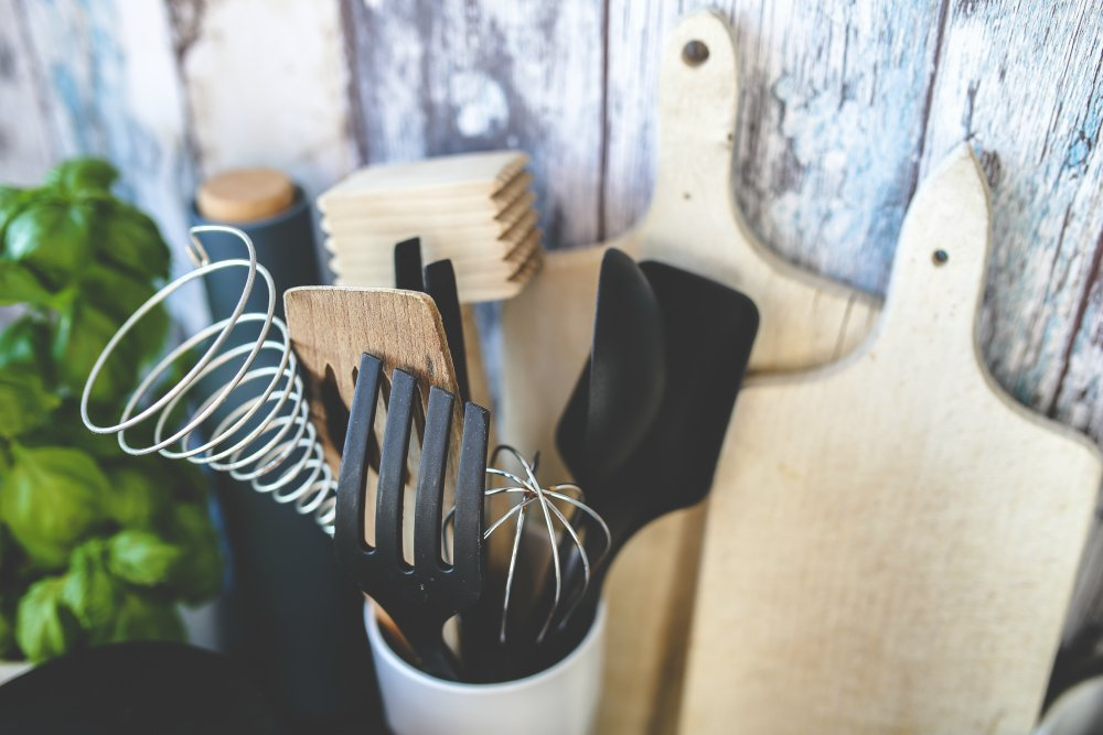 Your First Apartment: 15 Kitchen Essentials