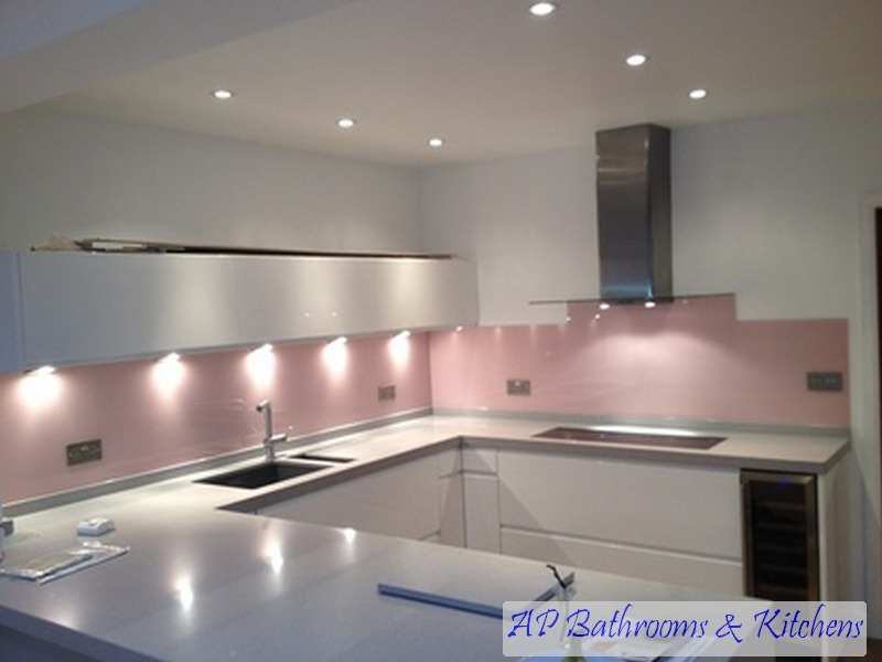 What Colour Tiles White Kitchen