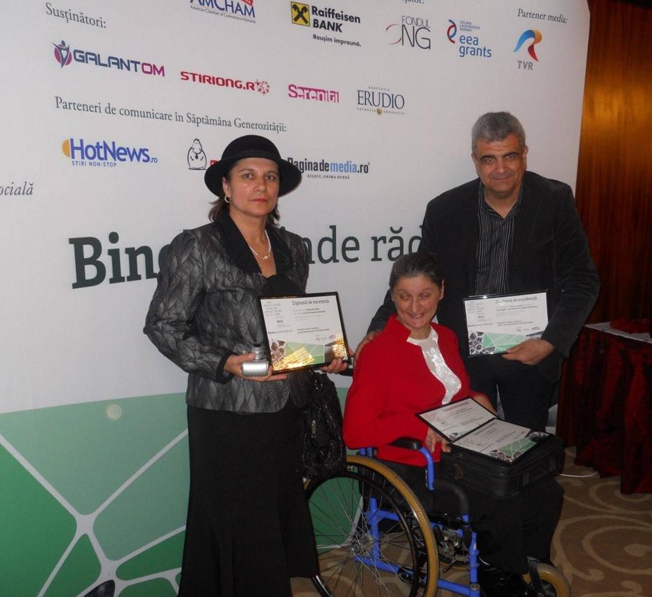"""Gala """"Oameni pentru oameni"""" 2015 la Intercontinental Bucureşti - Diplomă de excelență pentru APC – Europe Direct Botoșani."""