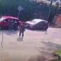 En Cuernavaca, hieren en la cabeza a joven para robarle; cámaras registran hecho