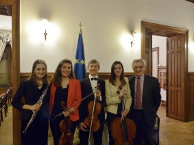 Tiphaine Hervouet, Valentin Chiapello, Solène Queyras, Briana Leaman - Musicians of the Superior Academy of Music of Strasbourg, and Albert Dess, Treasurer of the APE