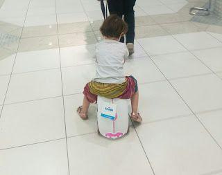 Anna Laura se va de viaje (con SU maleta)