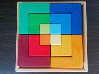 Anna Laura juega con…el puzzle cuadrado Grimm's