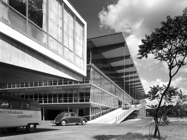 PSE, Haniel-Garage, Düsseldorf, 1950-53. Architekturmuseum TUM. Photo Rudolf Eimke. _1