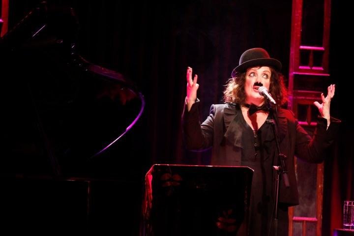"""Christine Bovill: """"Tonight You Belong To Me"""" in der Bar jeder Vernunft"""