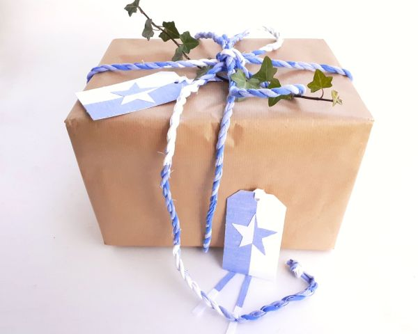 blue star gift twine and tags