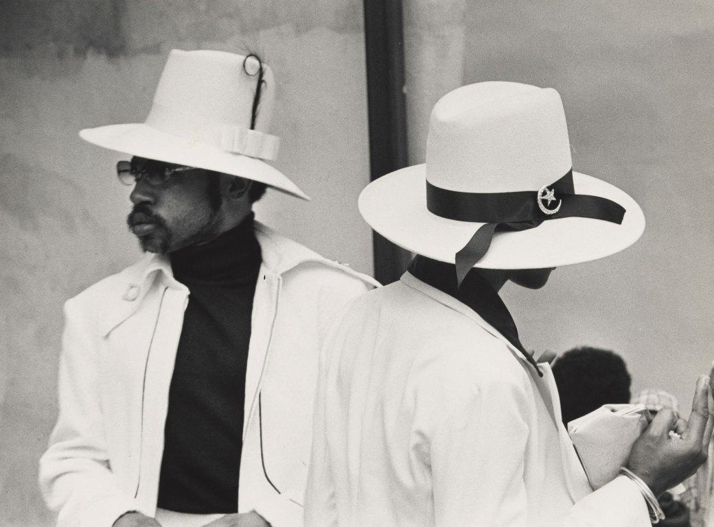 Shawn Walker, Easter Sunday, Harlem (125th Street), 1972