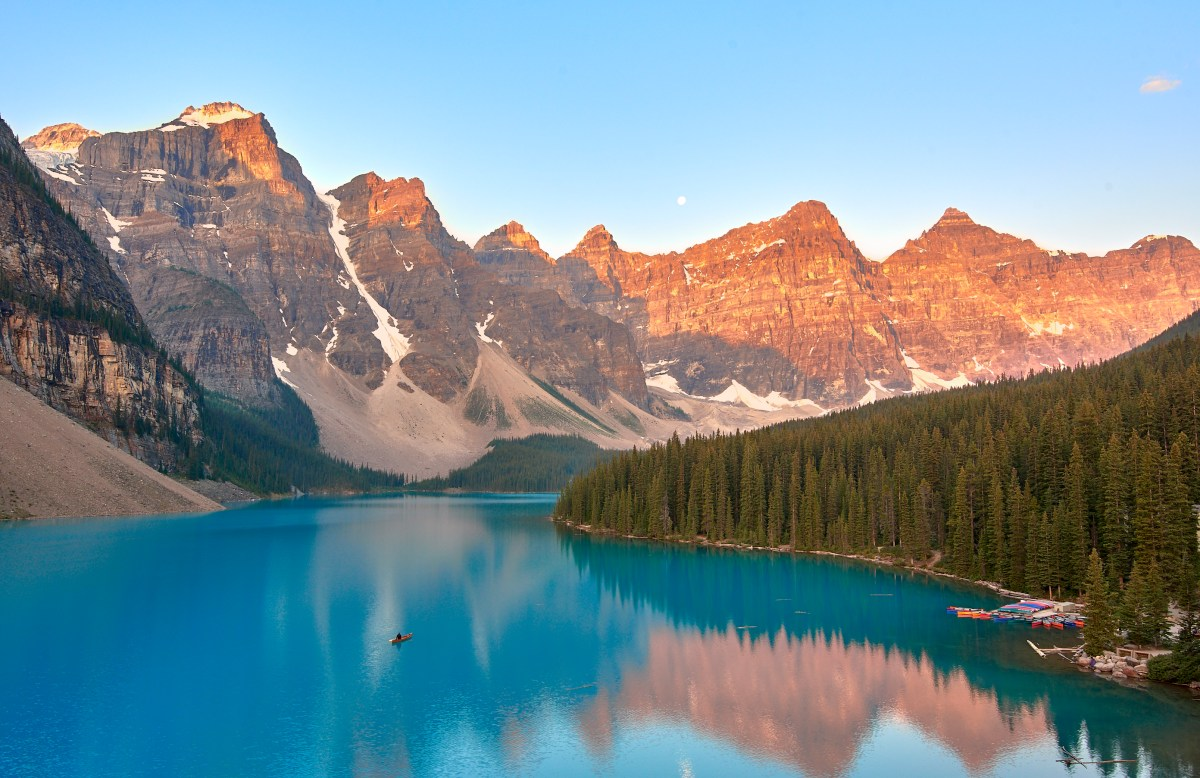 Sunrise at Moraine Lake!