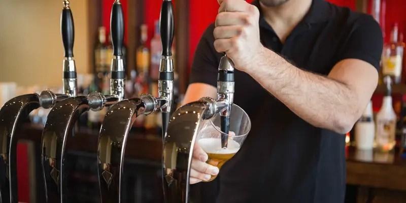 https://i1.wp.com/apetitoenlinea.com/wp-content/uploads/2016/05/bartender-beer.jpg?resize=800%2C400&ssl=1