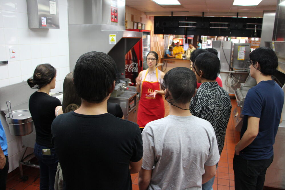 Ahora podrá ver la cocina de McDonald's de manera virtual