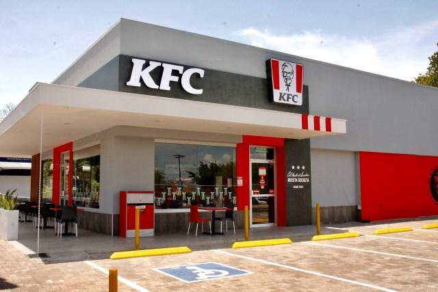 KFC contrató 24 personas en su nuevo restaurante