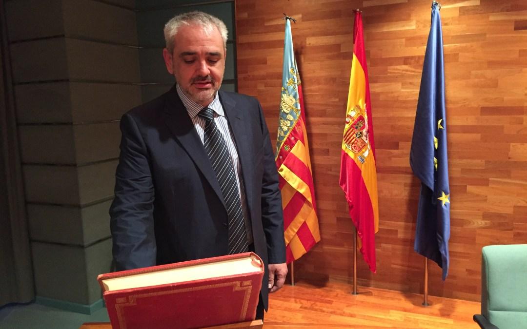 Boro Císcar toma posesión como concejal en el Ayuntamiento de Torrent