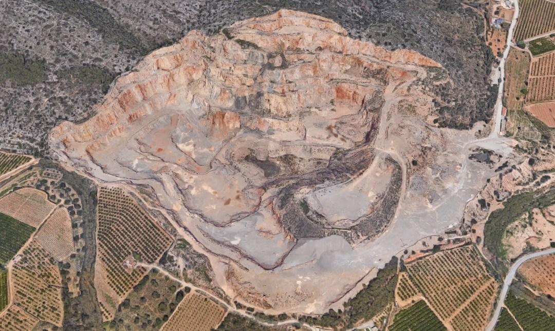 El PP de Torrent critica que Ros paralice la restauración de la cantera de la Serra Perenxisa y organice una excursión a la cantera de Higueruelas