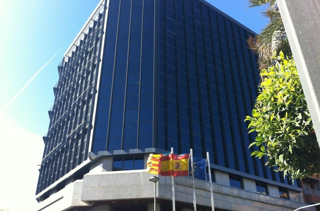 El PP de Torrent pide que las ayudas a la rotulación de comercios en valenciano, lo sean para todos los comercios y no en función del idioma