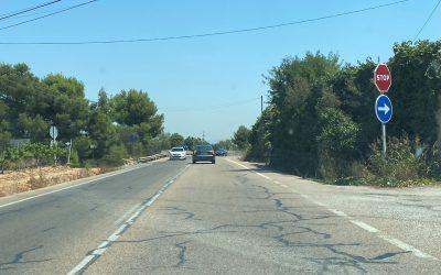 La Diputación y el Ayuntamiento se olvidan de la creación de la rotonda en la curva de peones camineros, entre el Toll y el barrio San Gregorio