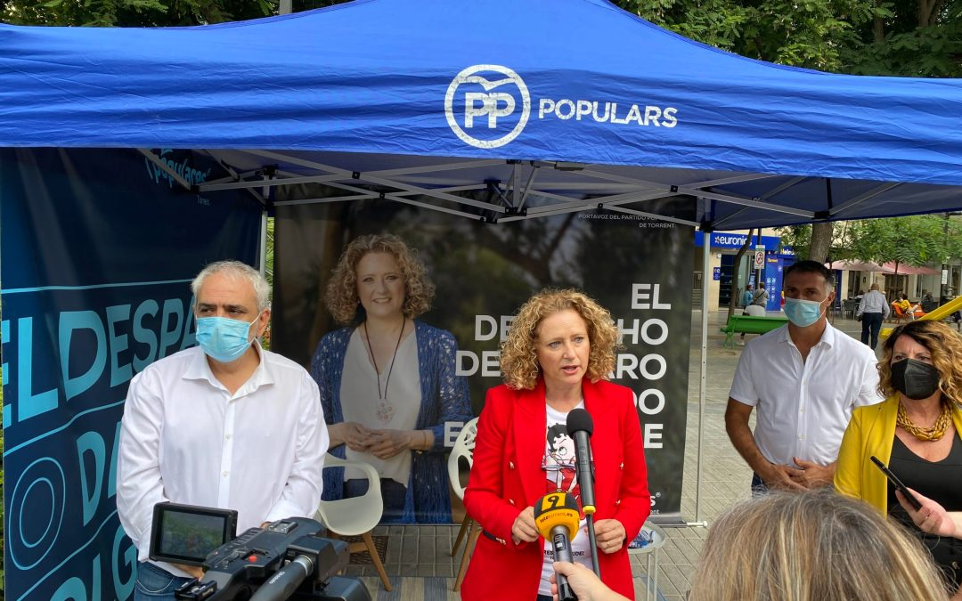 """El PP de Torrent presenta """"El Despacho de Amparo Folgado en la Calle»"""