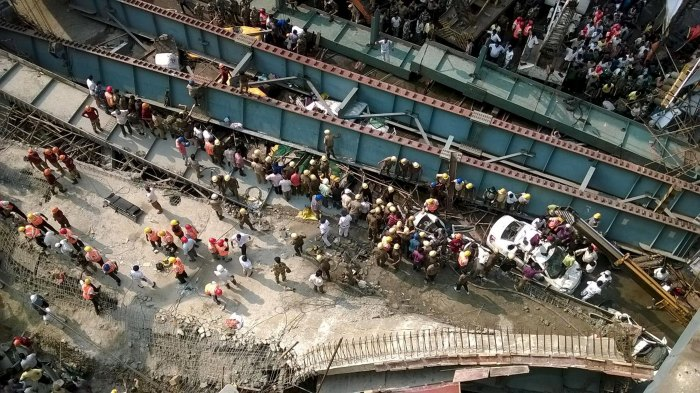 A general view of the collapsed flyover in Kolkata, India, March 31, 2016. REUTERS/Rupak De Chowdhuri