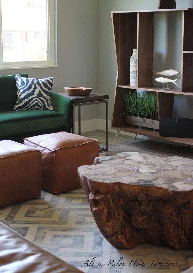 Thousand Oaks Living Room - Table & Shelves