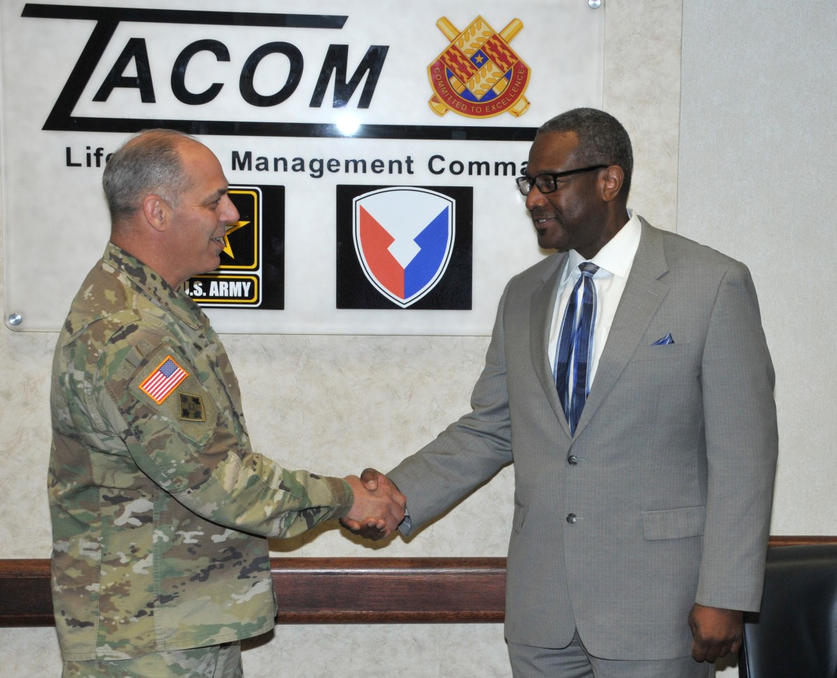 Perna Recognizes Tacom Employee For Supply Availability