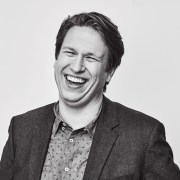 Podcast 227: Create a Time Capsule Box, Make Coffee More Luxurious, and an Interview with Comedian Pete Holmes.
