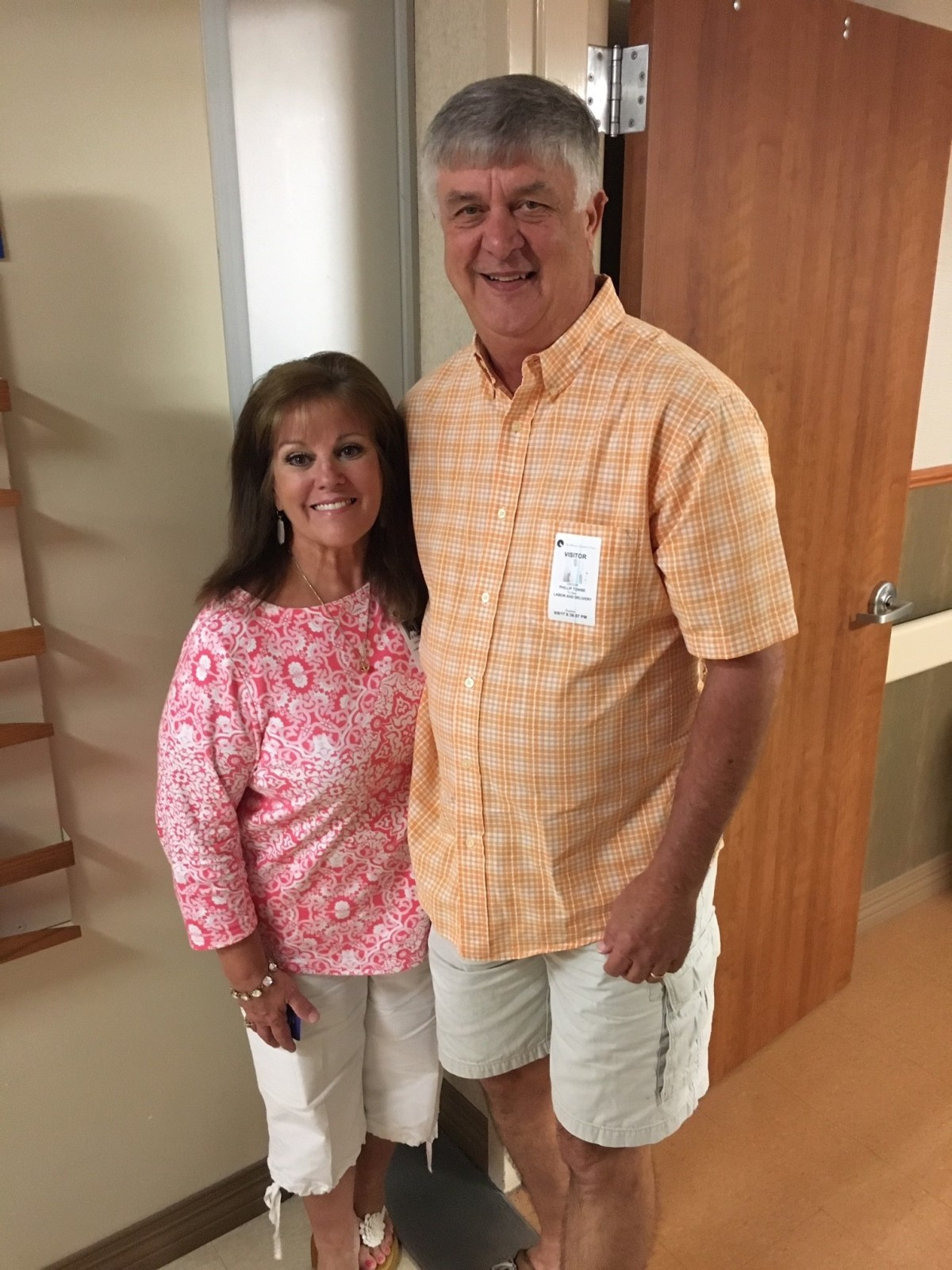 Phil Towse, a COVID-19 patient who received a convalescent plasma transfusion, with his wife, Cathye Jo.