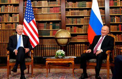 Media Pemerintah Rusia Melemparkan Naungan pada Dasi 'Kekanak-kanakan' Biden