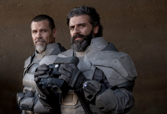 Josh Brolin and Oscar Isaac in 'Dune'