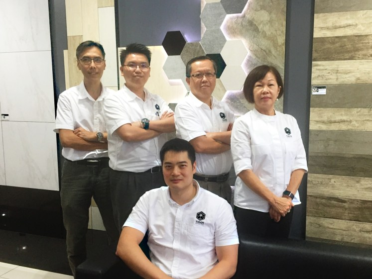 Aaron Tan (seated) and his professional team presenting Talos Living Tiles: (L-R) Senior production manager Lee Hing Chih, process manager William Tung, factory manager Teh Loo Chuan and marketing head Ann Liew.