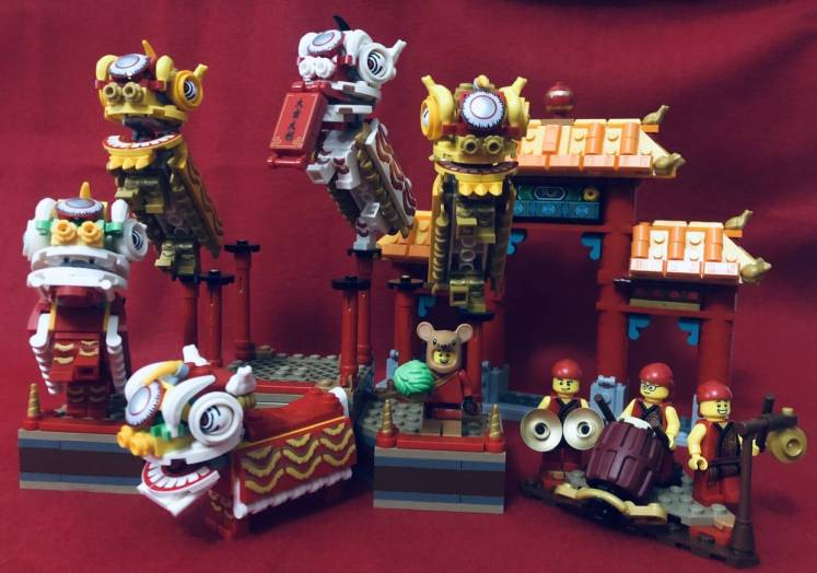 The Lion Dance set is arguably the best of Lego's CNY sets so far.