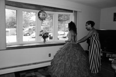 sweet16photography_dresspreparations