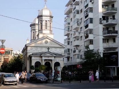 "By Catalina Movileanu (Biserica ""Sf. Nicolae"" Albă) [CC BY-SA 2.0 (http://creativecommons.org/licenses/by-sa/2.0)], via Wikimedia Commons"
