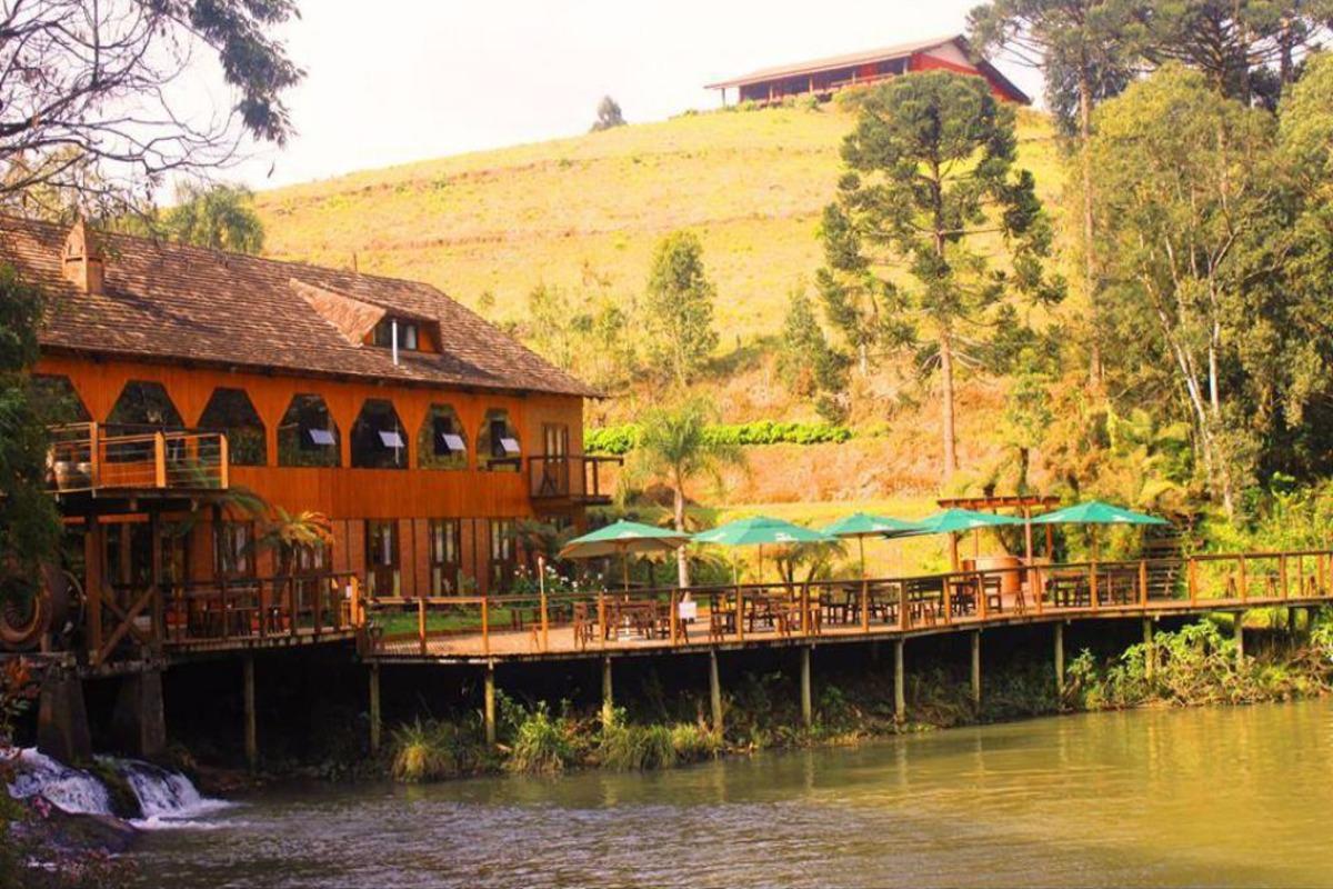pousada-lindnerhof-rio-dos-cedros-apino-turismo-vale-europeu