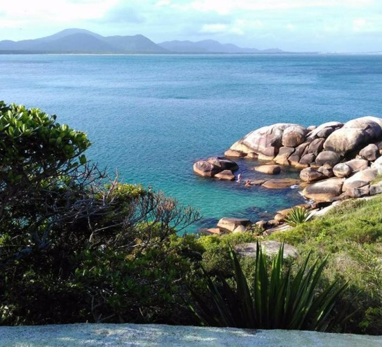 trilha-da-piscina-natura-da-barra-da-lagoa-apino-turismo-viagens