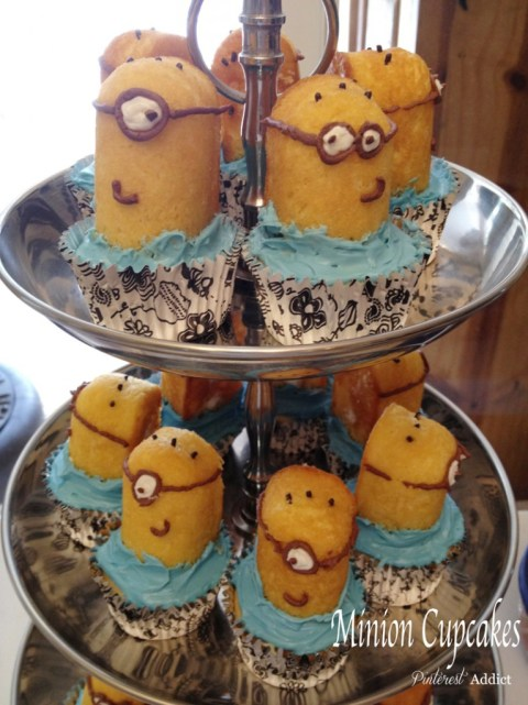 Minion Cupcakes using twinkies