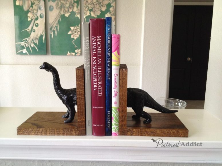 How to make Dinosaur bookends - DIY project - Pinterest Addict