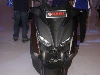 yamaha xmax 250 spesifikasi harga fitur pilihan warna dan kredit