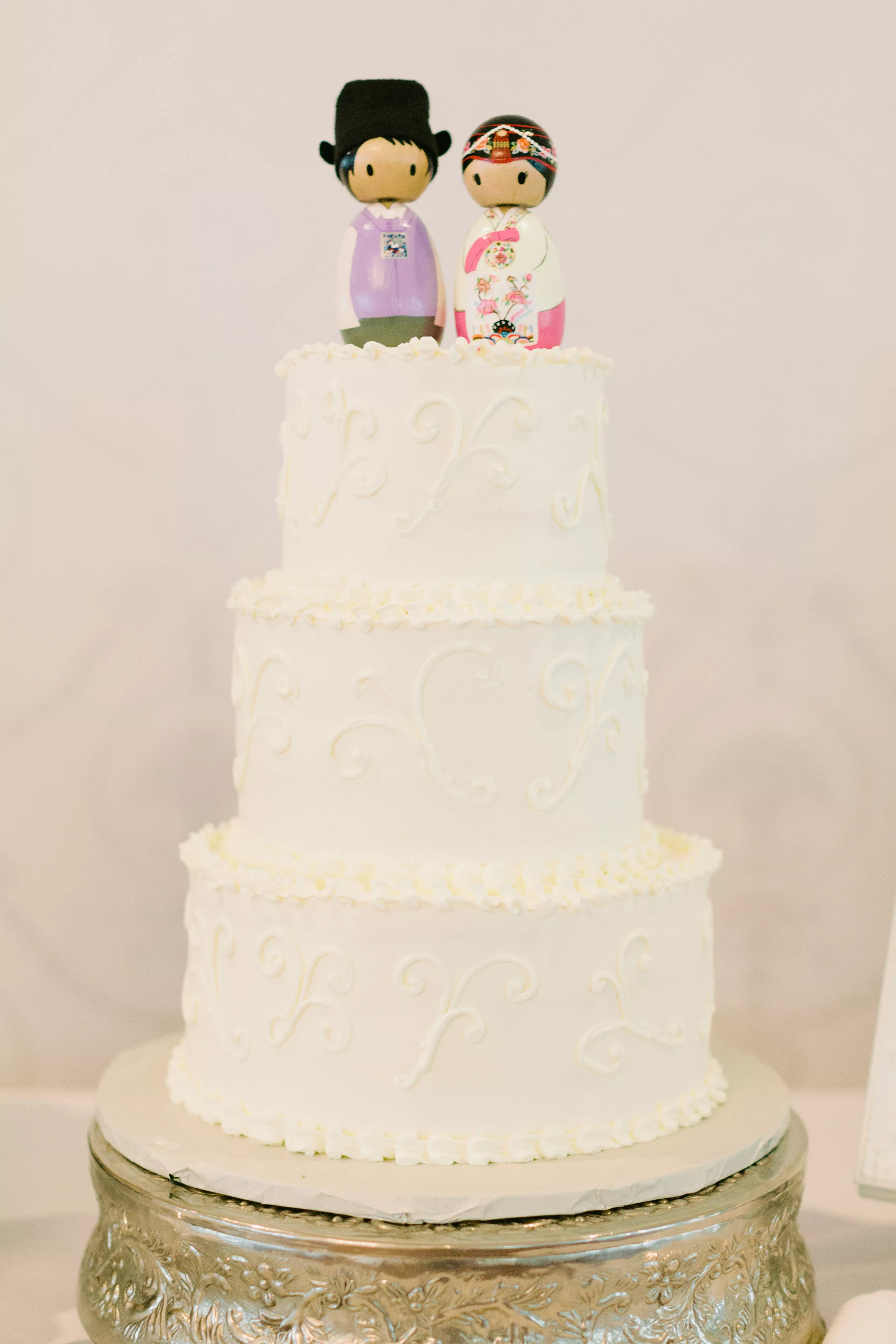 Cake Topper In Traditional Korean Outfits On Classic White